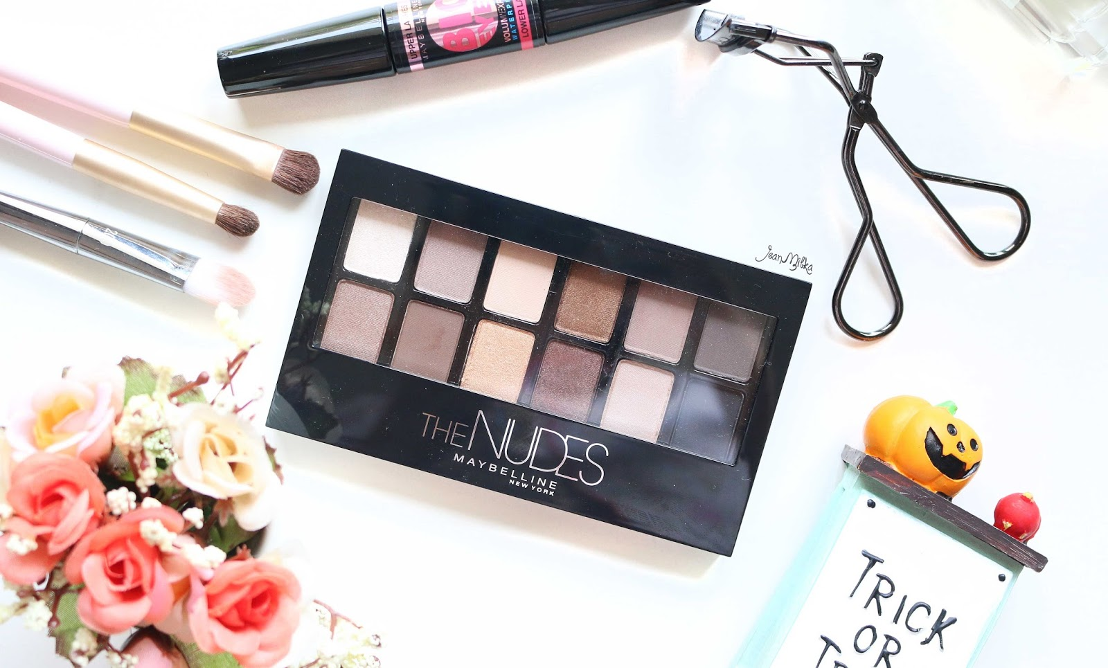 maybelline, the nudes, palette, eyeshadow, review, swatch, drugstore, maybelline the nudes, eyeshadow palette, beauty, makeup