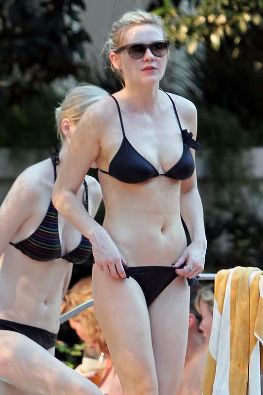 Kirsten Dunst – Bikini Candids in Las Vegas