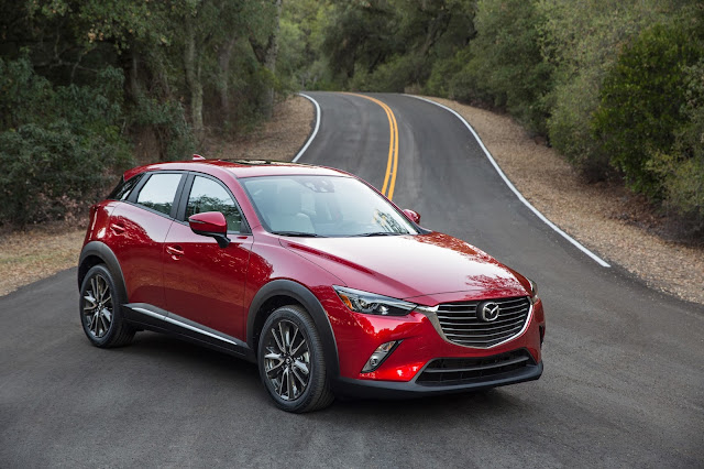 Front 3/4 view of 2016 Mazda CX-3