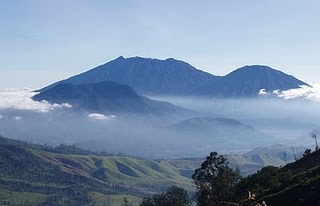 mount raung,mount raung trekk,raung trekk