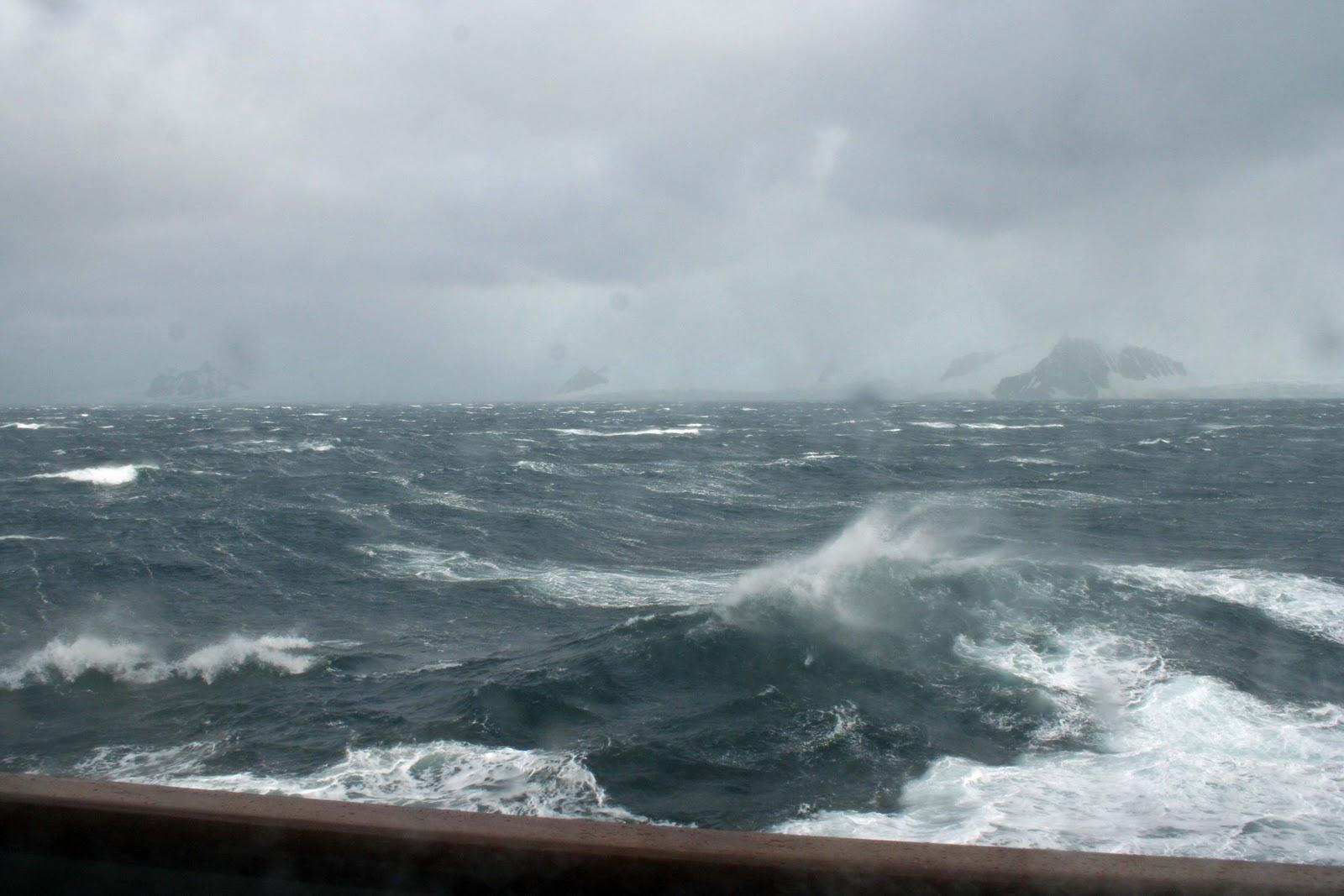 штормующее море фото