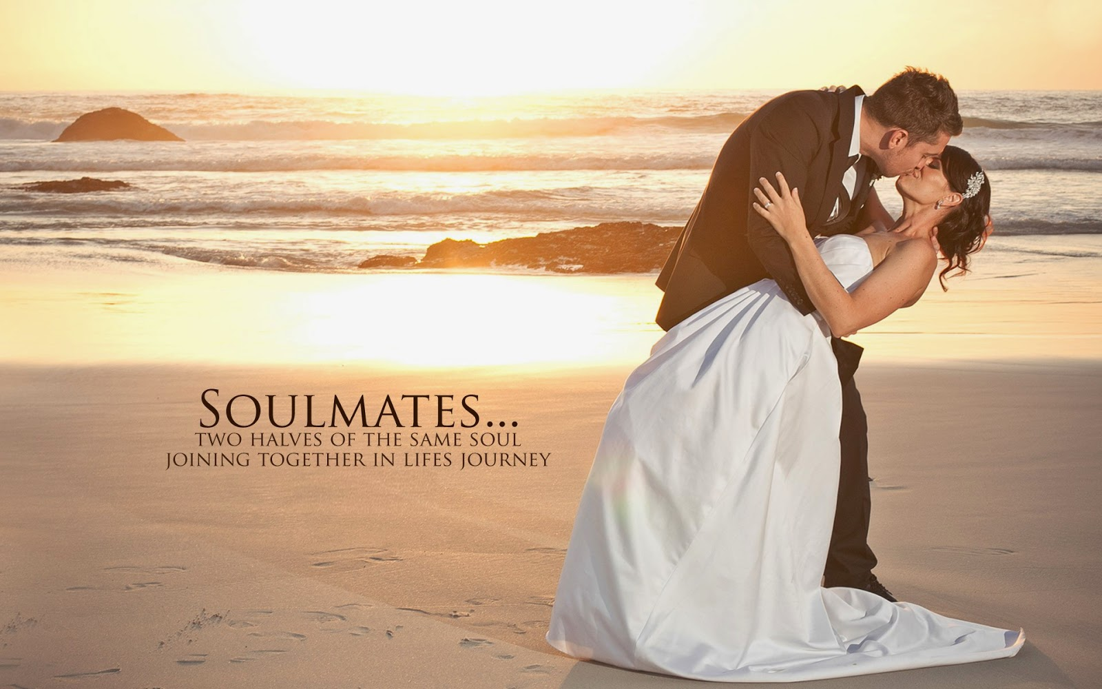 Happy Wedding Kissing Romantic Couple - romantic wedding wallpaper