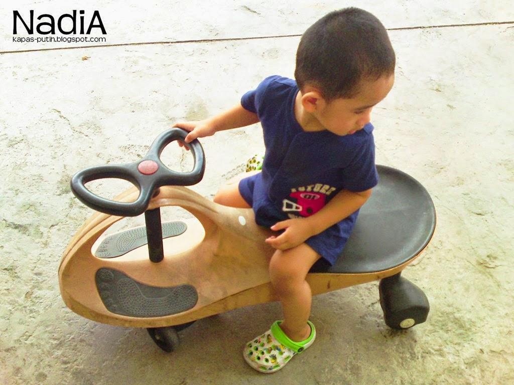Kereta luncur baby asy