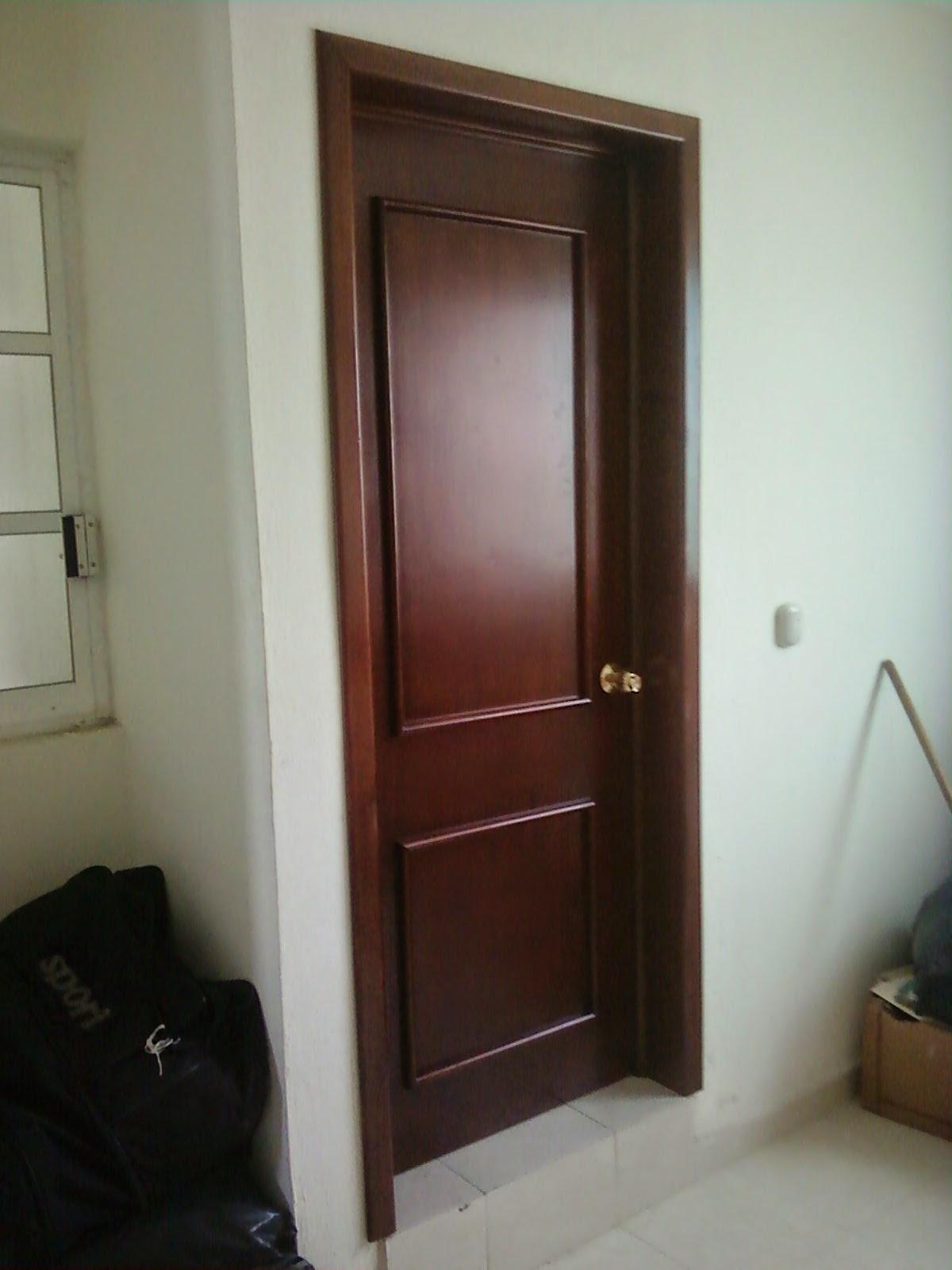 Masterpiece ebanisteria puertas for Puertas de dormitorios en madera