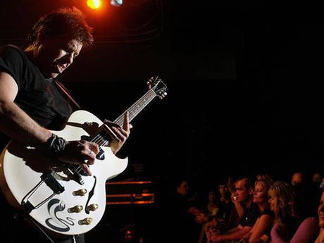 George Thorogood: Rockin'n My Life Away