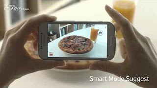 The GALAXY S4 Zoom lets you talk, shoot