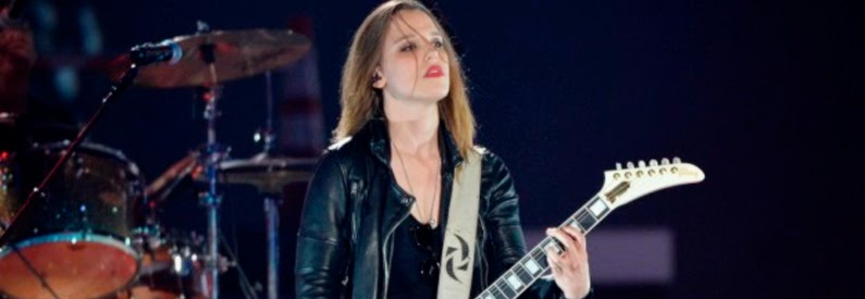 http://loudwire.com/halestorm-lzzy-hale-fans-going-to-love-new-record/?trackback=tsmclip