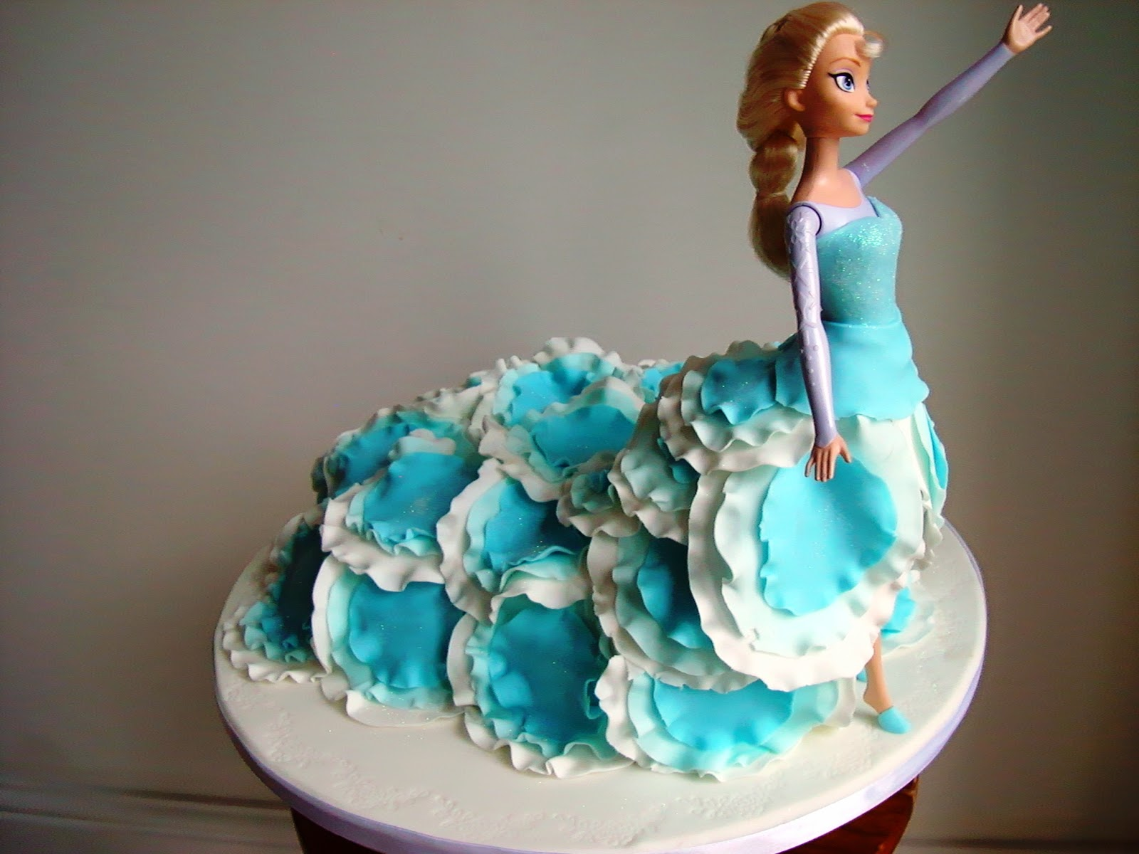 Elsa Cake Decoration Ideas : 100+ [ Frozen Elsa Cake Ideas ] Buttercream,Barbie ...