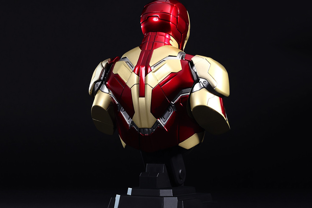 wallpaper mark xlii iron man 3 movie 2013 wallpaper iron man 3 movieIron Man 3 Poster Wallpaper Mark 42