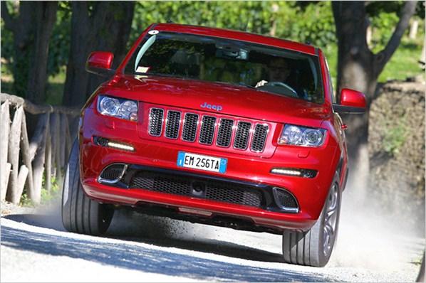 http://2.bp.blogspot.com/-vLHUclckzIE/T-nPR_Vui8I/AAAAAAAABxg/fT_BcOYrvfw/s1600/2013+Jeep+Grand+Cherokee+SRT+4.jpg