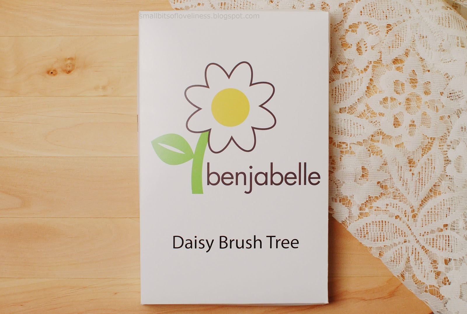 Benjabelle Daisy Brush Tree