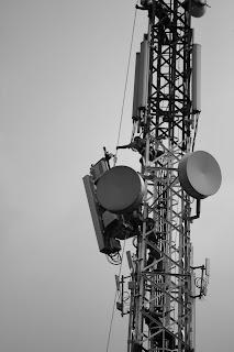 Pemasangan alat telekomunikasi bintaro