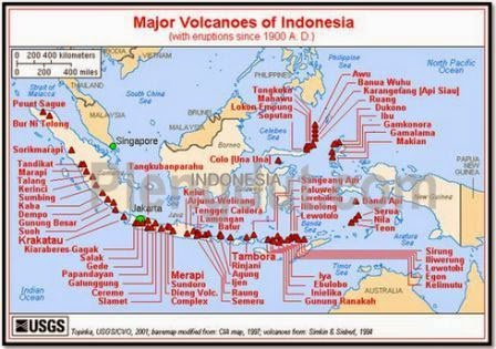 Peta Sebaran gunung berapi di Indonesia.
