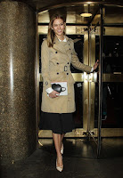 An ideal life that many citizenship would to do as the Supermodel, Karlie Kloss, 23's already nostalgic with the rainy season on Friday night, December 18, 2015 as she come into easy dressed of brown trench coat at New York.