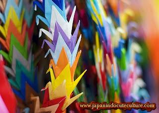 Origami Seribu Bangau Senbazuru