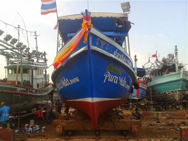 Barco de buceo Koh Tao Astillero
