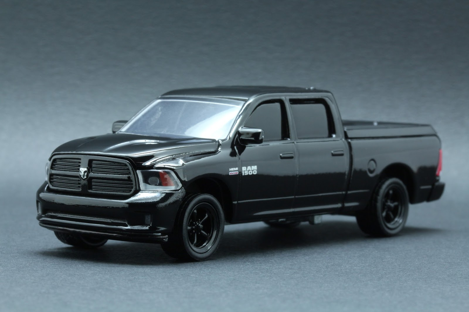 diecast hobbist 2014 dodge ram 1500 sport. Black Bedroom Furniture Sets. Home Design Ideas