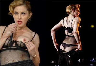 Madonna Saat Konser Pamer Payudara