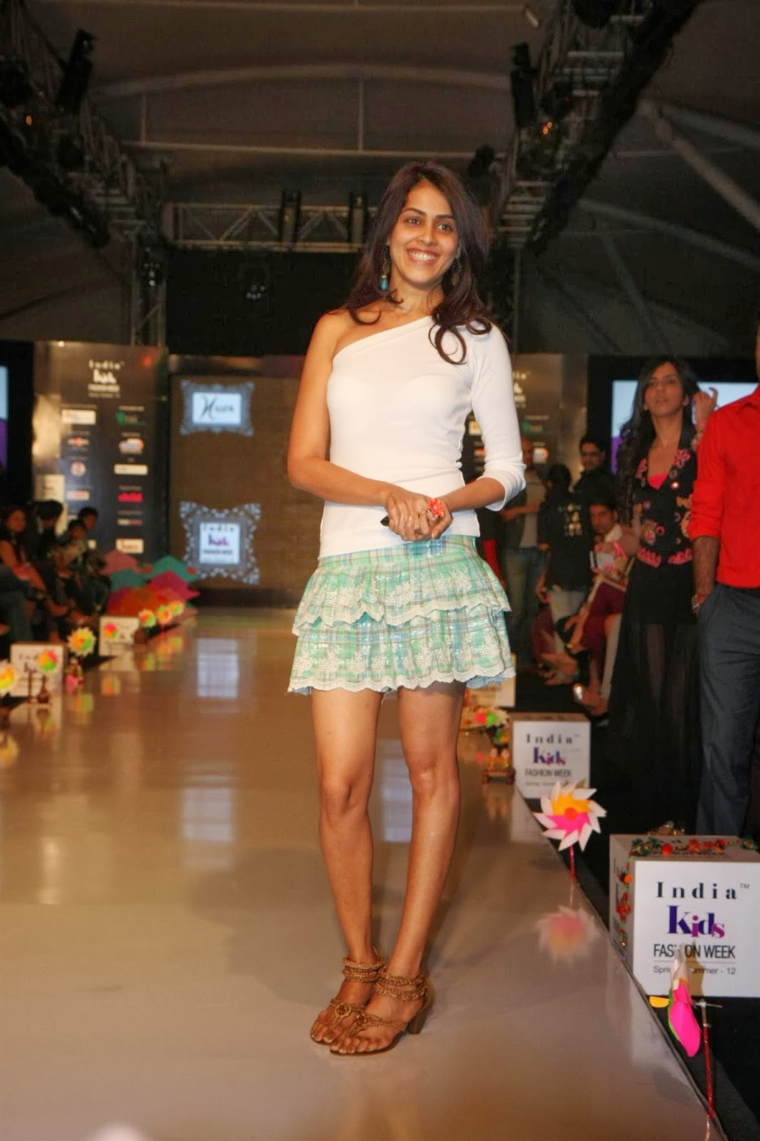 genelia dsouza hot hd wallpapers high resolution pictures