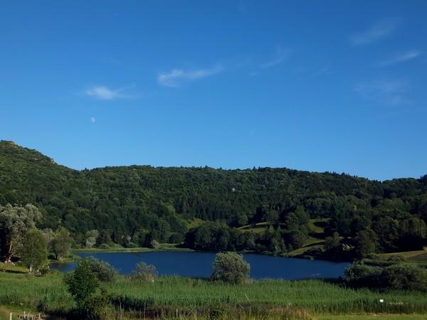 lac la thuile savoie randonnée les bauges