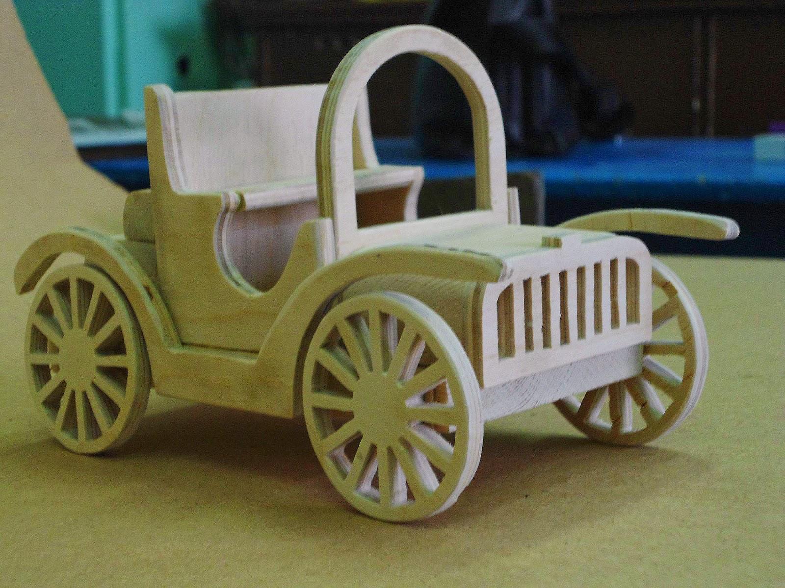 Старинные игрушки из дерева 19 фотография