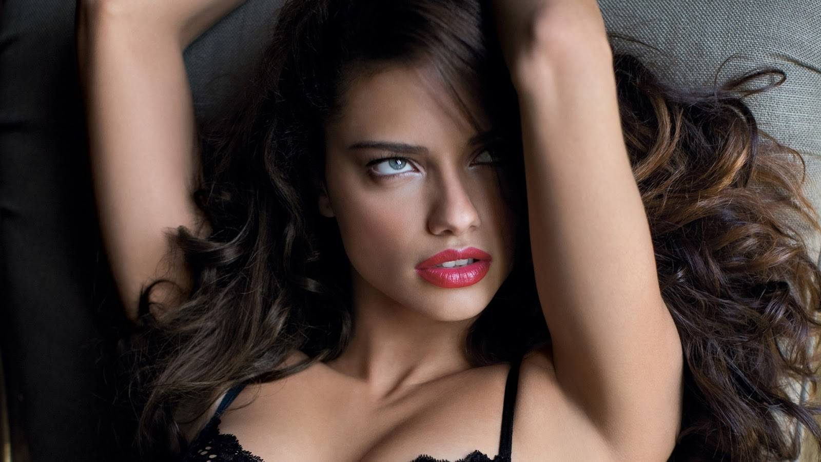 Adriana Lima Red Hot Lips Wallpaper