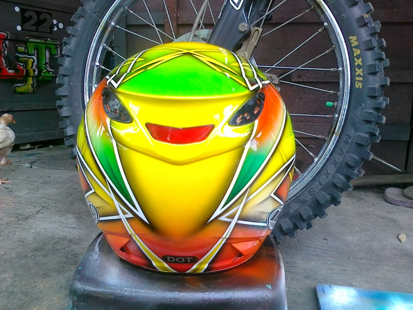 Foto Airbrush Helm Ink Centro