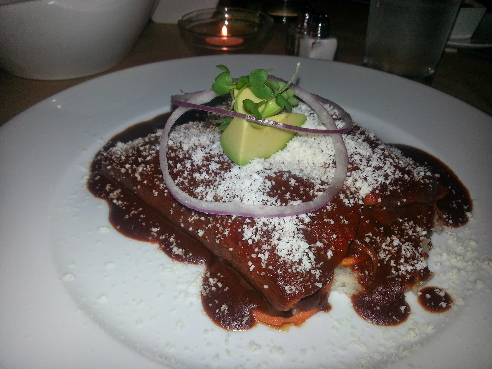 Mesa Enchiladas Vegetarianas