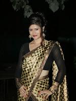 Anchor Shila Chakravarthy latest black saree Photos-cover-photo
