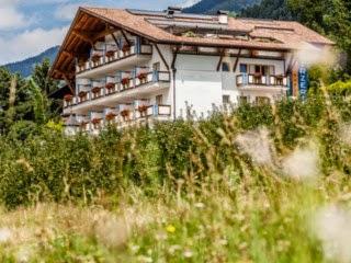 Hotel Hirzer in Schenna bei Meran