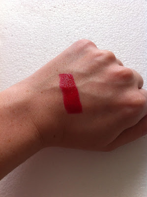 yves rocher rouge red moisturising lipstick swatch