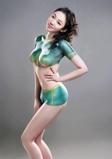 cewek cantik dalam seni body painting