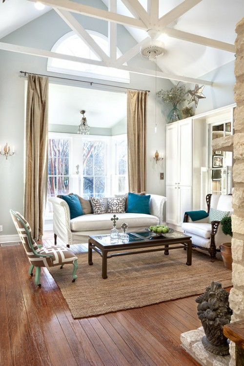 Living Room Decorated In Aquamarine And Chocolate