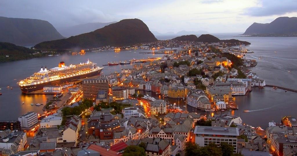 Visit Wonderful Alesund City Norway Tourist Attractions World Tourist Attractions