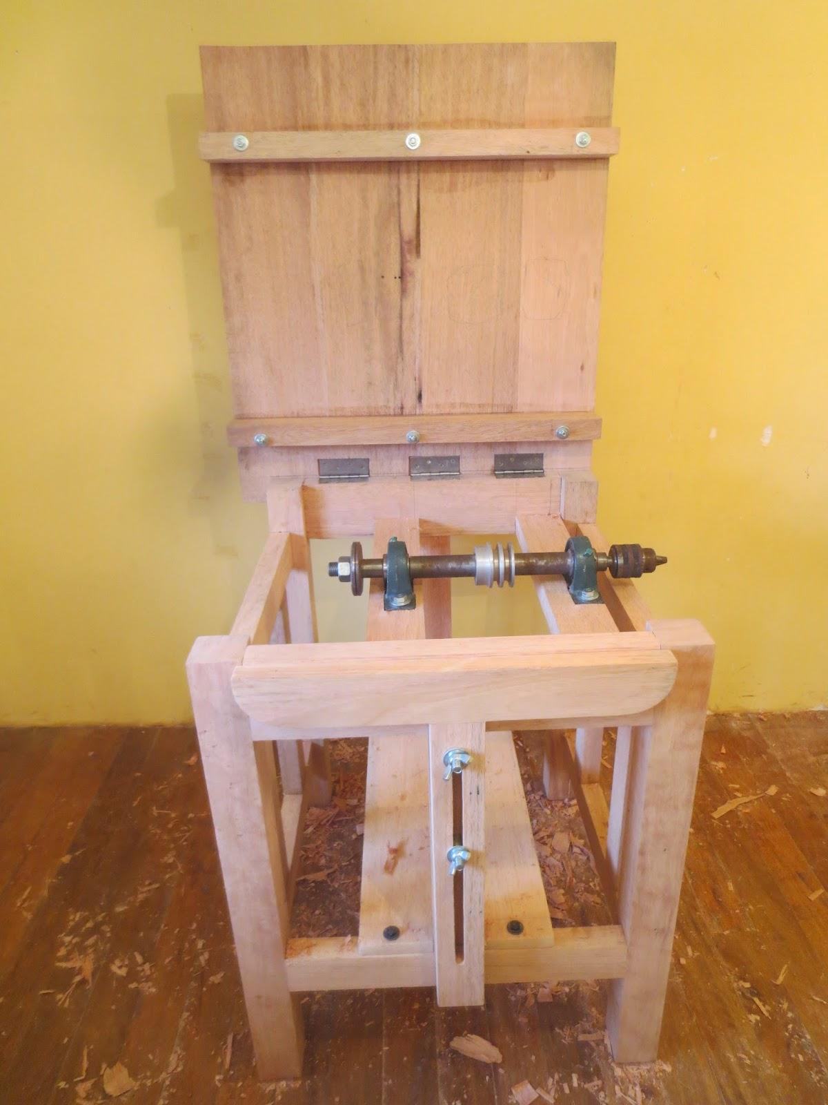 Decoraciones manualidades en madera como hacer una sierra for Mesa de camping de madera