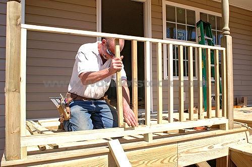 Landscape design ideas how to build a simple wooden deck rail for Easy diy deck plans