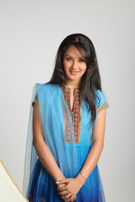 pooja bose new latest photos