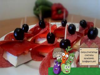 Rolinhos de Salame com Brie, Pimento e Azeitonas