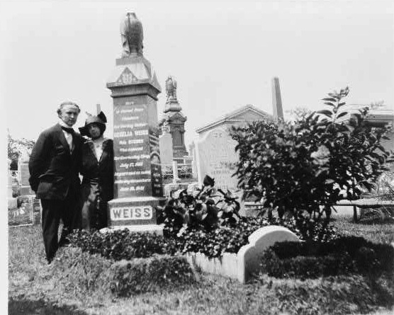 Carnegie: Magic Detective: Mysteries of the Houdini Grave