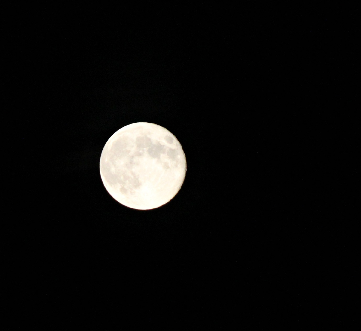 an analysis of full moon and Not the moon was obscured during any particular run in 1960 a  analysis of  variance for female a taeniorhynchus at full moon and new moon full moon.