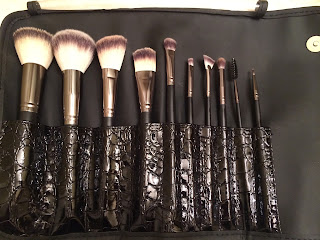 Crown Brush Syntho Set makeup brushes