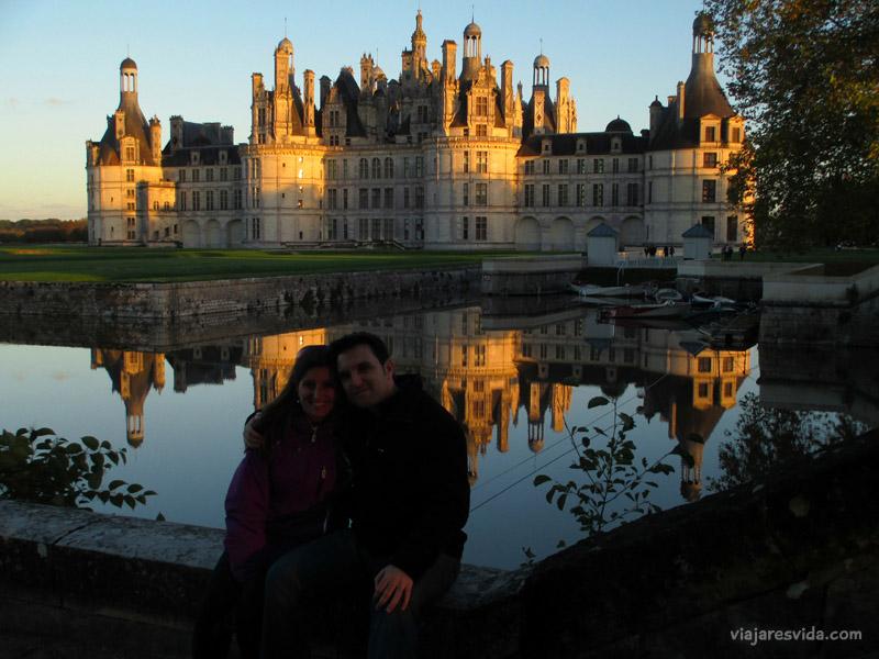 Viajaresvida - Nosotros y atardecer en Chambord