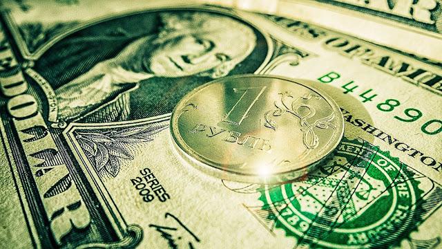 Экономисты оценили доллар в 22 рубля