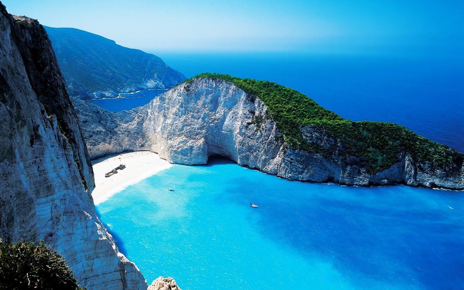 Fotos e Imagenes: Calita de arena blanca y agua azul turquesa