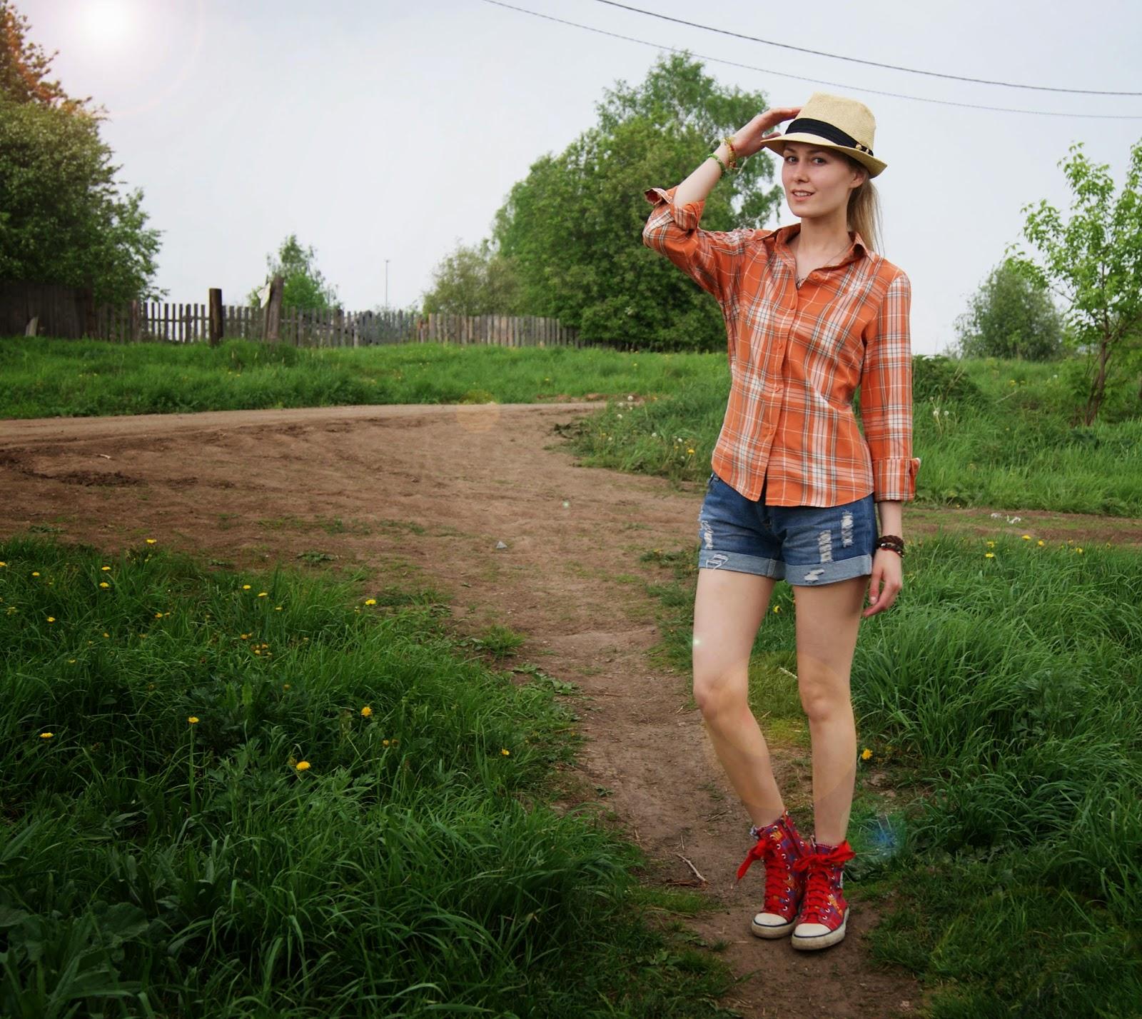 Самая красивая деревенская девушка 11 фотография