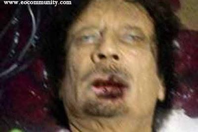 foto muammar khadafi tewas