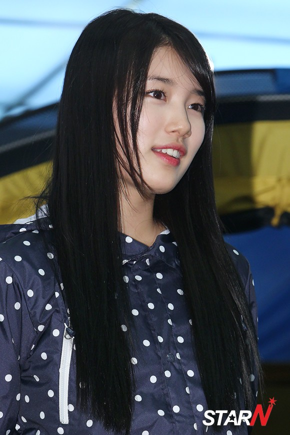 BAE SUZY 2013 PHOTO BEANPOLE FANSIGN EVENT