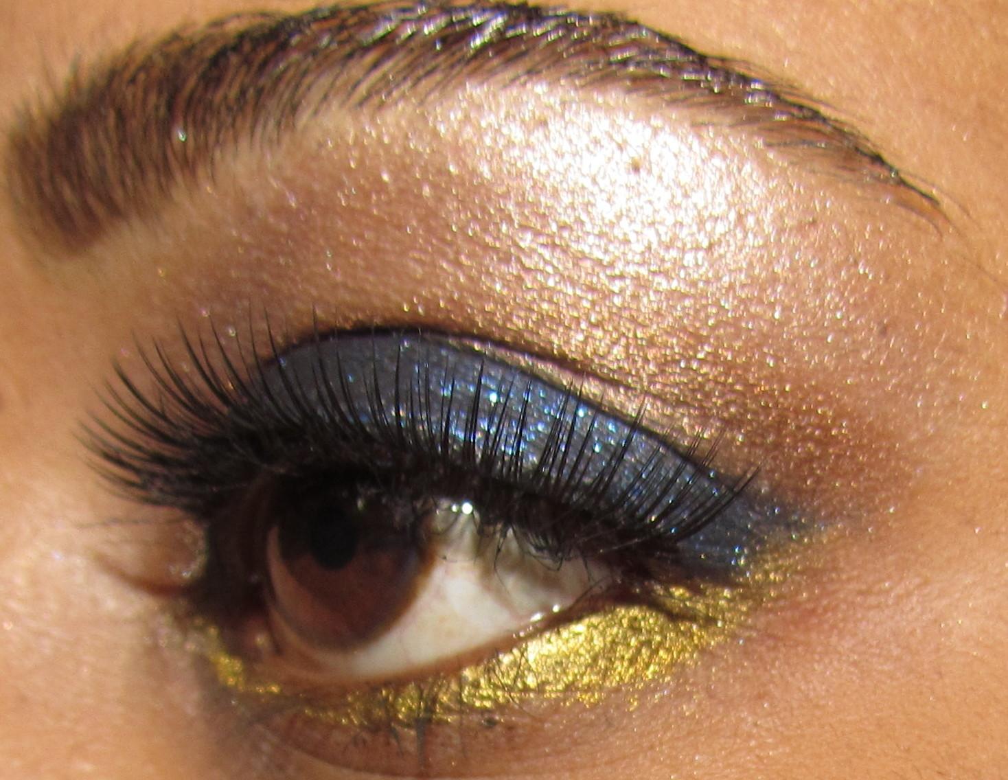 http://2.bp.blogspot.com/-vPqcyoear3o/T57Ol43sYMI/AAAAAAAAFVA/sB0oq6e0FUs/s1600/aishwarya+rai+cannes+eye+makeup+look+5.jpg