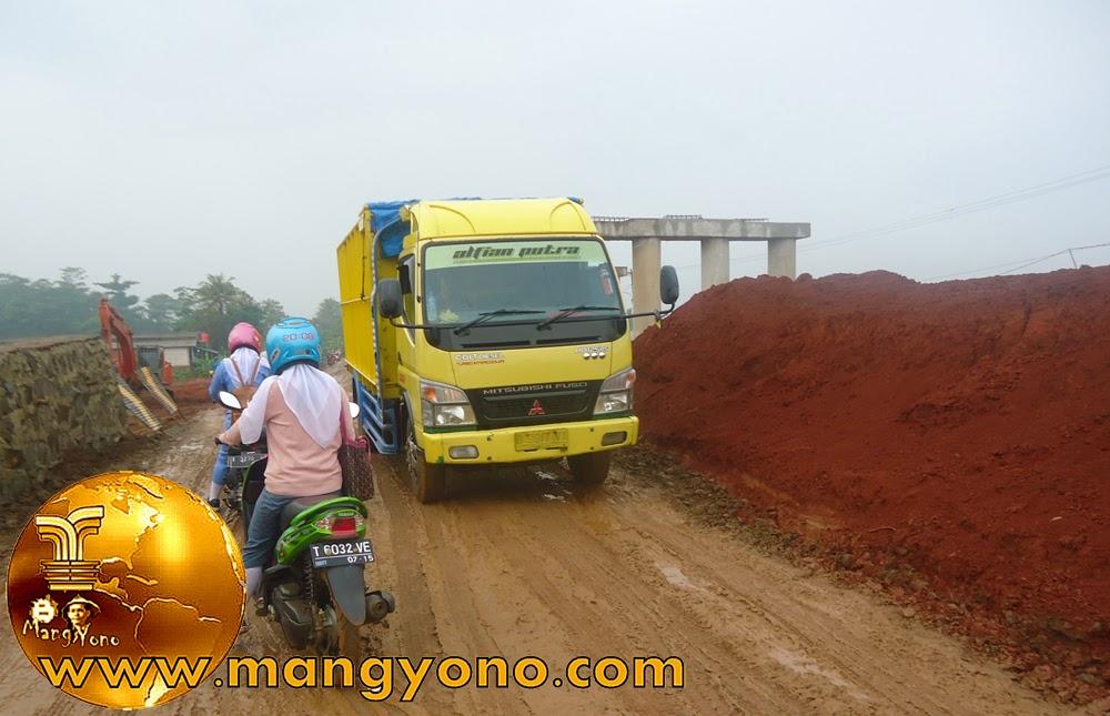 Perlintasan Proyek Toll Cipali di Pagaden Barat Minim penerangan.