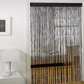 Tirai benang sekat ruangan